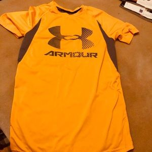 Under Armour workout/Athletic/CrossFit shirt